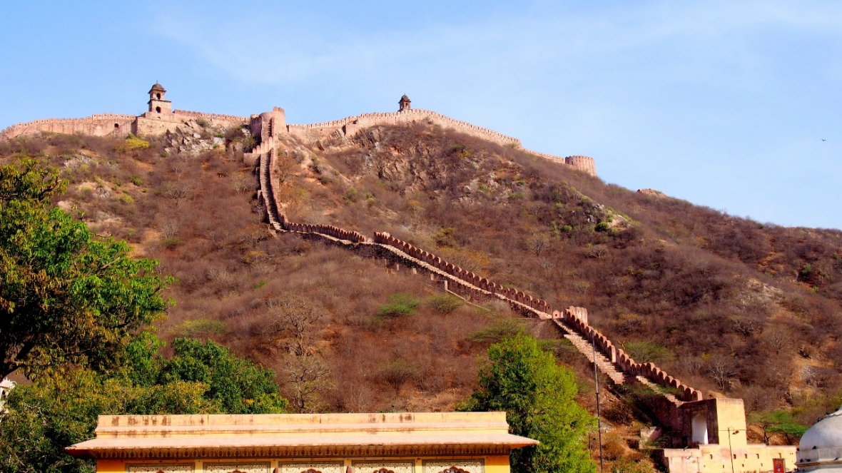 Jaigarh Fort - Opposite Amer. Wish to climb up post Monsoon